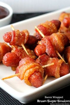 Finger Food Appetizers, Easy Appetizer Recipes, Finger Foods For Party, Yummy Appetizers, Yummy Recipes, Keto Recipes, Bacon Wrapped Lil Smokies, Christmas Finger Foods, Christmas Appetizers
