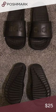 5624fd16792b0a New men s Adidas flip-flops sandals New man Adidas sandals color black size  8 never