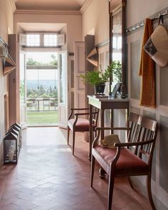 """Mi piace"": 16.3 mila, commenti: 64 - ELLE DECOR (@elledecor) su Instagram: ""La dolce vita, indeed. | Photo: @jeanfrancoisjaussaud; Design: Ilaria Miani #interiordesign…"""