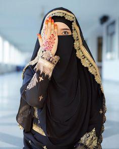 islamic girls dpz hijab fashion * islamic girl + islamic girls dpz + islamic girl photography + islamic girls name with meaning + islamic girls dpz hijab fashion + islamic girls dpz hidden face + islamic girl cartoon + islamic girl quotes Arab Girls Hijab, Muslim Girls, Muslim Women, Muslim Couples, Hajib Fashion, Hijab Fashion Summer, Hijabi Girl, Girl Hijab, Stylish Girl Images