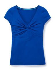Be top of the style game whatever the occasion and shop the new women's tops and T-shirts at Boden, featuring a range of stylish designs and bold colors. Navy Shorts, Navy Women, Off Duty, My Style, Tees, T Shirt, Clothes, Collection, Black