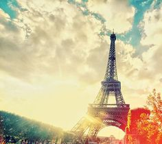 One of my goals in life is to go to Paris♥