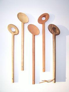 Items similar to Agitateur bois cuillères à servir, sorbier, fait main en Angleterre on Etsy