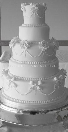 White Wedding Cakes Wedding Cake gallery, including Luxury Victorian and Vintage Cakes Amazing Wedding Cakes, White Wedding Cakes, Elegant Wedding Cakes, Wedding Cake Designs, White Cakes, Wedding Vintage, Wedding White, Amazing Cakes, Gorgeous Cakes