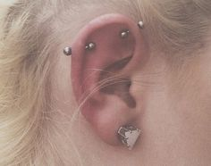 37 Ear Piercings