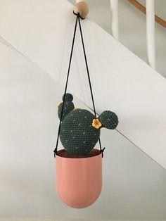 Haakpatroon Cactus Crochet Cactus, Crochet Flowers, Crochet Pattern, Free Pattern, Chrochet, Stuffed Animals, Crochet Toys, Planter Pots, Bear