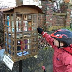 Tiny, neighborhood #library. Practical way to #recycle books + build #community. #green #walkability