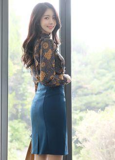Korean Women`s Fashion Shopping Mall, Styleonme. Fashion Models, Girl Fashion, Fashion Outfits, Womens Fashion, Fashion Tips, Fashion Design, Korean Fashion Trends, Asian Fashion, Older Women Fashion