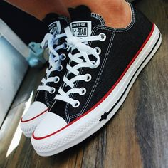 """🖤 The Converse Chuck Taylor All Star Low-Tops in Black, White and Garnet take the term """"shoe lover"""" to a new level with heart details that will make you melt. Denim Converse, Converse All Star, Charms Swarovski, Swarovski Crystals, Black Heart, Chuck Taylor Sneakers, Black Denim, Chuck Taylors, Selena Gomez"""