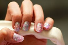 How to Create Fake Nails out of Glitter: 13 steps (with pictures)