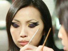 I am looking for a raven inspired eye makeup for roller derby bouts. I like this!