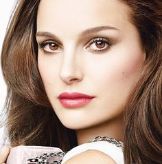 Natalie Portman is the face of Dior Rouge Baume print ads. For the full gallery, click the link. Bride Hairstyles, Down Hairstyles, Wedding Hair And Makeup, Hair Makeup, Natalie Portman Dior, Brunette Actresses, Empire State Of Mind, Blush, Celebrity Makeup