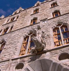 San Jorge en Casa Botines (León) #leon #viajes #spain #guadi