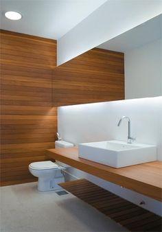 Utilize a madeira em banheiros de diferentes estilos! - Casa