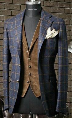 """everybodylovessuits: """" So here's another one of those Love it but don't know when and where to use it pieces. I think this is from Tagliatore, they make some awesome but at the same time weird stuff """" Sharp Dressed Man, Well Dressed Men, Mens Fashion Suits, Mens Suits, Look Fashion, Fashion Outfits, Traje Casual, Mode Costume, Suit And Tie"""