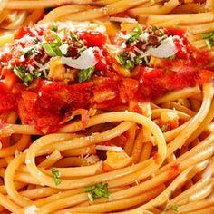 Паста с помидорами и сыром