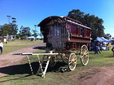 Full-sized 'Ledge' style gypsy waggon - Page 5 - The Scale Model Horse Drawn Vehicle Forum Gypsy Caravan, Gypsy Wagon, Gypsy Rose, Horse Drawn, Scale Models, Around The Worlds, Horses, Mini Houses, Travel