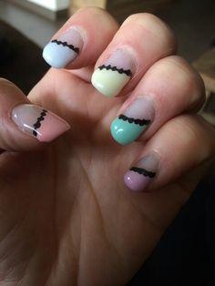 Nails - Nageldesign  in Pastell  mit schwarzem  Abschluss