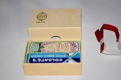 CIRCA 1920's COLGATE'S PETITE GIFT SET WITH AD FLYER - NEW OLD STOCK