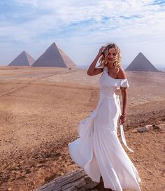 Enjoy a private day trip from Hurghada to Pyramids by plane where you will visit the pyramids, the Sphinx, Sakkara, and Memphis city, Book Us Now! Ancient Egyptian Cities, Dubai, Memphis City, Visit Egypt, Egypt Travel, Beautiful Places To Visit, Luxor, Cairo, Day Trip