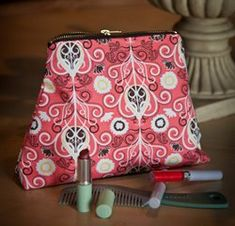 Compact Zippered Cosmetic Bag - tutorial