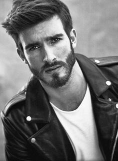 Konstantin, model.