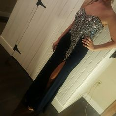 Mother of the bride gown/ prom/pageant Fully beaded bodice.  NWOT . Navy blue. Size 7 juniors so 6/8 Dresses Wedding