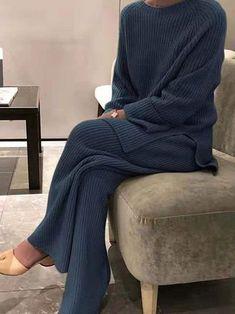 Knit Fashion, Fashion Outfits, Women's Fashion, Fashion Clothes, Trendy Fashion, Pantalon Large, Type Of Pants, Online Shopping Clothes, Online Clothes