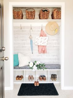 Ideas small closet mudroom entryway laundry rooms for 2019 Mudroom Decor, Ikea Closet Shelves, Mudroom Closet, Apartment Closet Organization, Summer House, Building For Kids, Closet Organization, Small Closet Organization, Mudroom