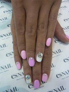 gem encrusted nails. so pretty