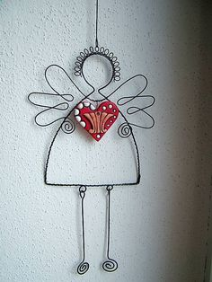 anjel so srdcom Wire Crafts, Metal Crafts, Diy And Crafts, Arts And Crafts, Wire Ornaments, Angel Ornaments, Christmas Projects, Christmas Crafts, Christmas Ornaments