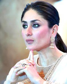 40 Ideas how to wear makeup people Kareena Kapoor Khan, Deepika Padukone, Karena Kapoor, How To Wear Makeup, Priyanka Chopra Hot, Indian Celebrities, Bollywood Celebrities, Most Beautiful Indian Actress, India Beauty