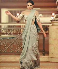 Ruffle Saree Style is the Hottest Trend of this Season 2018 Drape Sarees, Saree Draping Styles, Saree Styles, Robes Western, Western Dresses, Indian Dresses, Sari Design, Indian Wedding Outfits, Indian Outfits