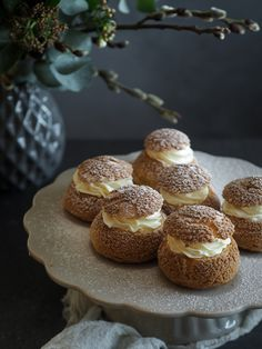 Craquelin | Máma peče doma Desert Recipes, Mini Cakes, Rum, Deserts, Muffin, Food And Drink, Cupcakes, Bread, Candy