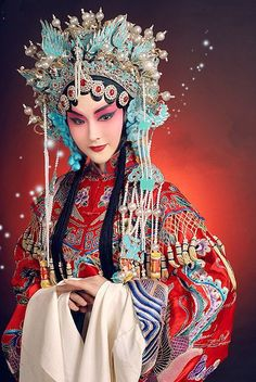 The gorgeous and talented Zhu Hong, an actress/singer in the Beijing Opera, in some of her most stunningly beautiful costumes. Asian Style, Chinese Style, Chinese Art, Chinese Fashion, Traditional Fashion, Traditional Dresses, Headdress, Headpiece, Costume Chinoise