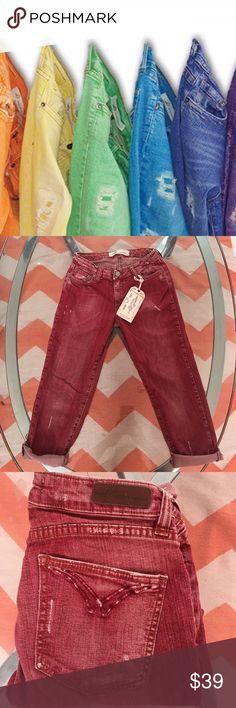 Jeans Capri New Echo friendly dye Made to Fade high quality denim stretch velvety feel on the body. Jeans Skinny