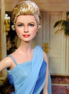 "Grace Kelly Barbie Doll ""to Catch a thief""  Artist: Noel Cruz"