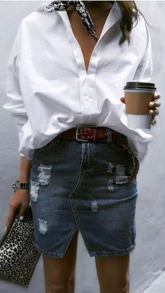 shirt. denim mini skirt. street style. #denimskirtfalda
