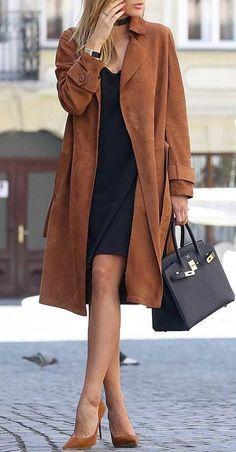 trendy fall outfit idea : brown coat + black dress + bag + heels