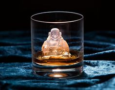 This silicone ice tray makes you 4 laughing Buddha ice cubes to chill your drink and put a smile on your face. Although it's made for ice, the silicone tray can be used pretty much for any liquid you want to turn into a laughing Buddha: chocolate, jello or maybe to create your own candle or soap!