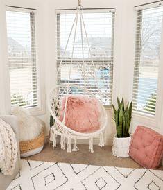 Area Rugs, Discount Rugs, Floor Rugs, and Cozy Teen Bedroom, Bedroom Reading Nooks, Bedroom Nook, Bedroom Seating, Teen Room Decor, Dream Bedroom, Girls Bedroom, Bedroom Decor, Bedroom Ideas