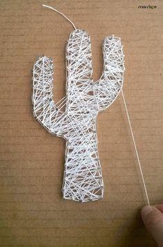 Técnica de string art em papelão ;)   #artesanato #stringart #papelao #decoracao #cacto #reciclagem #stringart #decor #ideia #dica #quadro #reaproveitamento #diy #façavocemesmo #tutorial #pap #marrispe #redecorando