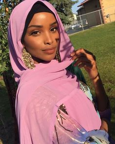 Beautiful Muslim Women, Beautiful Hijab, Beautiful Black Women, Hijabs, Modern Hijab Fashion, Dark Skin Girls, Turban Style, Muslim Girls, Mode Hijab