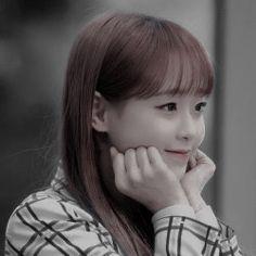 Chuu Loona, Twitter Layouts, Taeyong, Girl Group, My Girl, Diva, Kpop, Celebrities, Celebrity