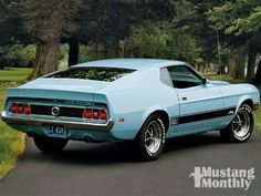 I prefer the 1973 Mustang to the 1971 model, it is a 'cleaner' design in my opinion. I first fell in love with these Mustang Fastbacks car. Mustang Mach 1, Ford Mustang 1964, Mustang Fastback, Mustang Cars, Ford Mustangs, Classic Mustang, Pony Car, American Muscle Cars, American Sports