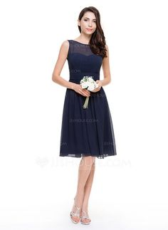 A-Line/Princess Scoop Neck Knee-Length Chiffon Bridesmaid Dress With Ruffle (007067270) - JJsHouse