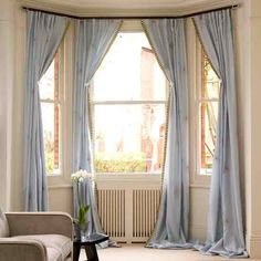 The length-floor curtain is decorate the bay window perfectly by the help of the rod, without covering the shape of the bay window. Bay Window Curtains Living Room, Lounge Curtains, Bedroom Windows, Cafe Curtains, Bay Windows, Drapes Curtains, Shower Curtains, Home Renovation, Rideaux Shabby Chic