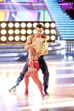 James Maslow and Peta Murgatroyd dance the Samba on week 7 of 'Dancing With The Stars' on April 28, 2014.