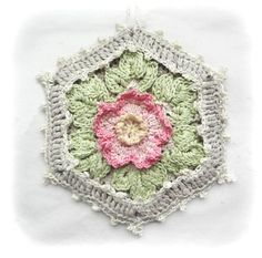 Wild Rose Cottage Potholder, Crocheted Floral Potholder, Shabby Chic Kitchen Decor, Crochet Beige Linen Pot Holder
