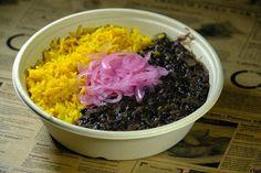 Čierna fazuľa s nakladanou cibuľkou - recept | Varecha.sk Grains, Rice, Food, Red Peppers, Essen, Meals, Seeds, Yemek, Laughter